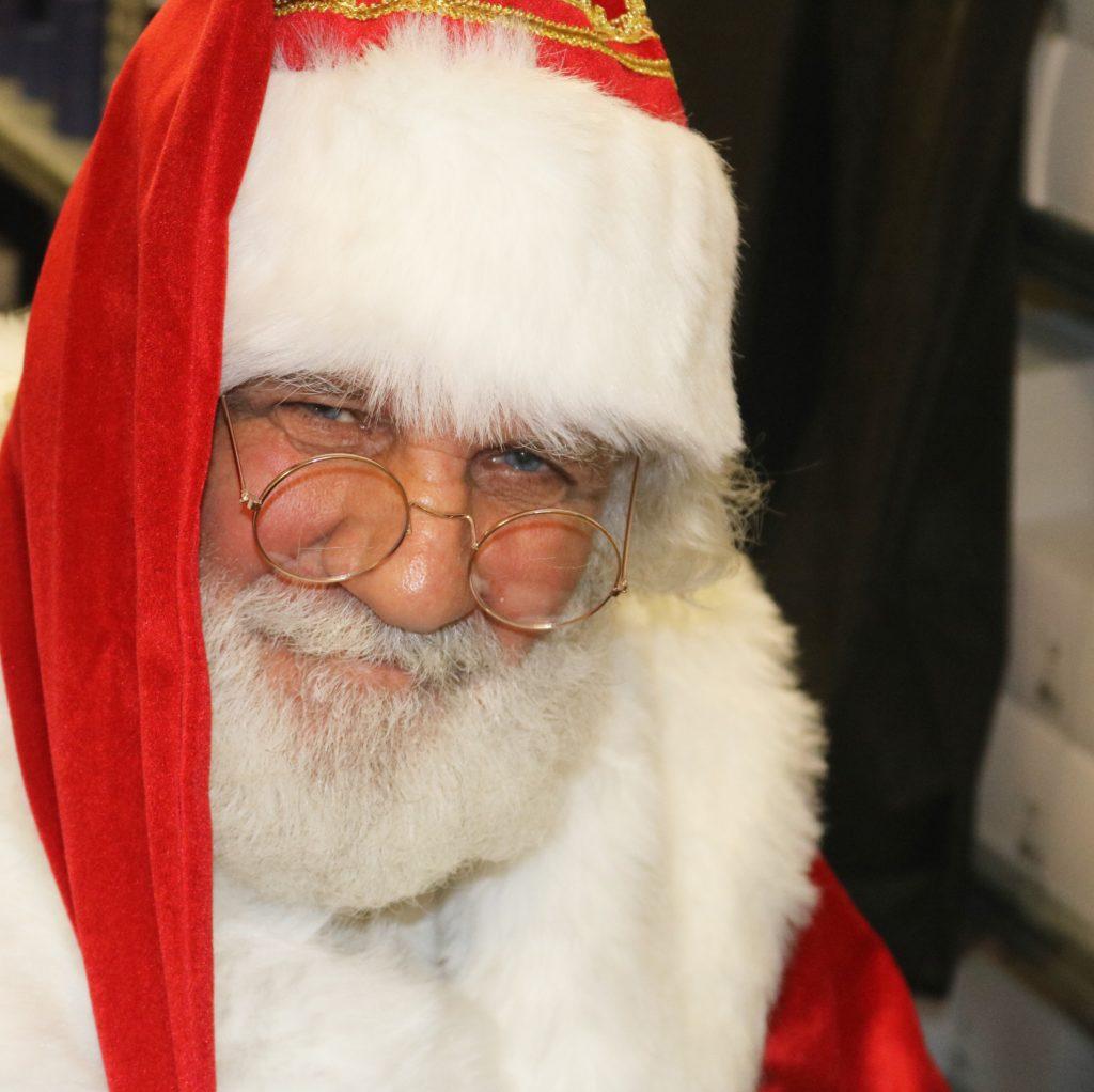 Babbo Natale A Casa Dei Bambini.Niente Emoziona Piu Della Consegna Regali Di Babbo Natale