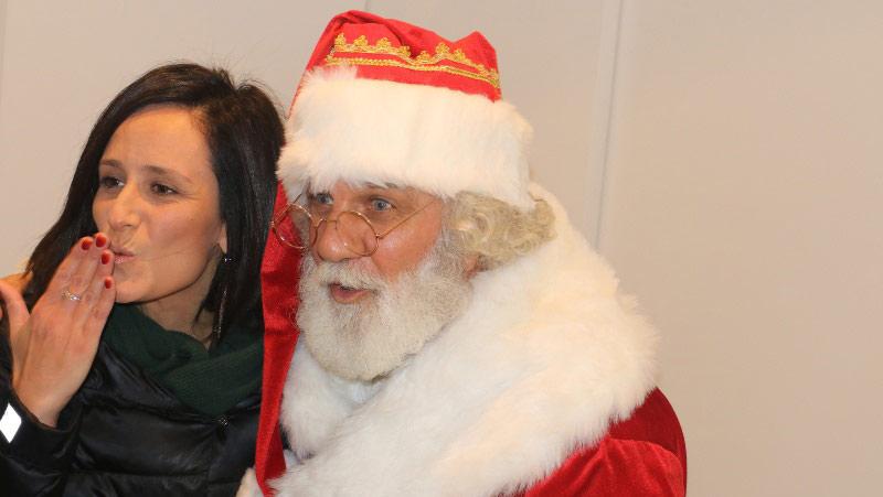 babbo Natale consegna regali eventi