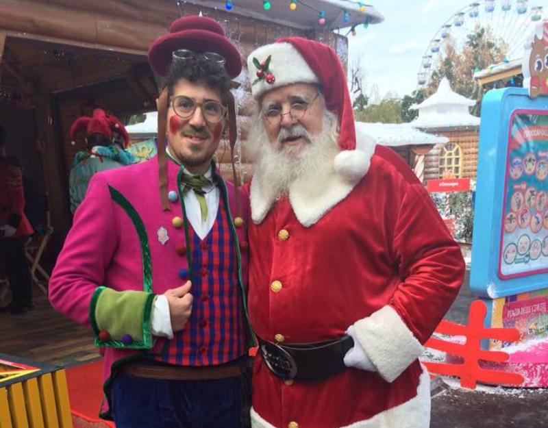 Babbo Natale al villaggio con elfo